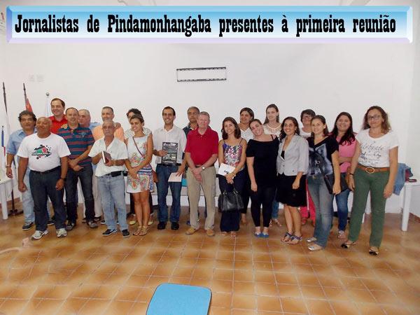 Participantes na penúltima reunião da Ajop