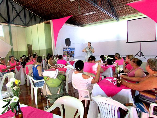 Palestra com a enfermeira da ESF Maricá para conscientização das moradoras do bairro