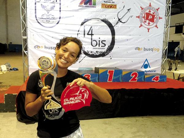 A atleta após a competição 14 Bis, em Santos