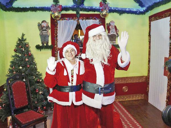 O Casal Noel receberá crianças e suas cartinhas na casinha da Praça Monsenhor Marcondes nos dias 2, 3 e 4; 9, 10 e 11; e 16, 17, 18, 19, 20 21, 22 e 23 de dezembro, das 19 às 22 horas