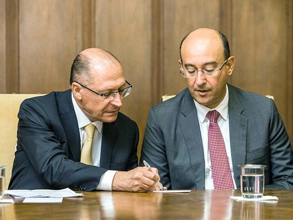 Governador Alckmin e o procurador-geral de Justiça, Gianpaolo Poggio Smanio, durante o anúncio dos programas