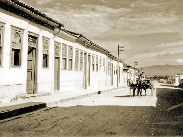 Aspecto da rua Marechal Deodoro de antigamente
