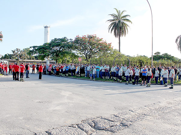 Paralisação nessa quarta-feira, na Confab Tubos; protestos já ocorreram na Novelis, Gerdau, GV do Brasil, e outros estão programados