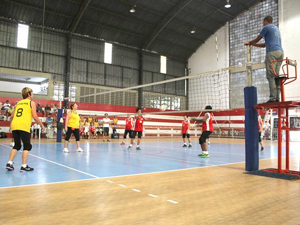 Amistoso realizado em fevereiro, entre equipes de Pinda e Lorena, também no GE Juca Moreira