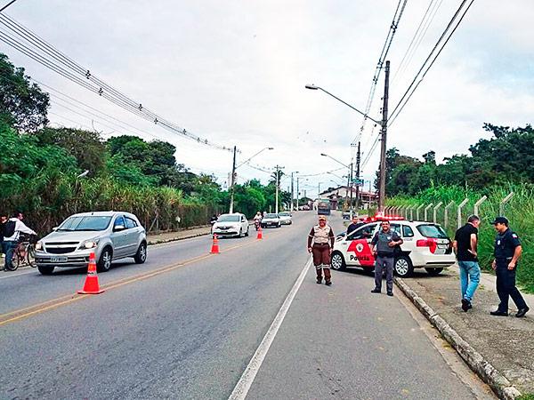 Em duas horas de operação, oito veículos foram vistoriados