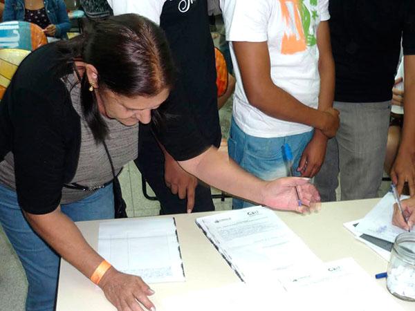 Pessoas da comunidade participaram da eleição