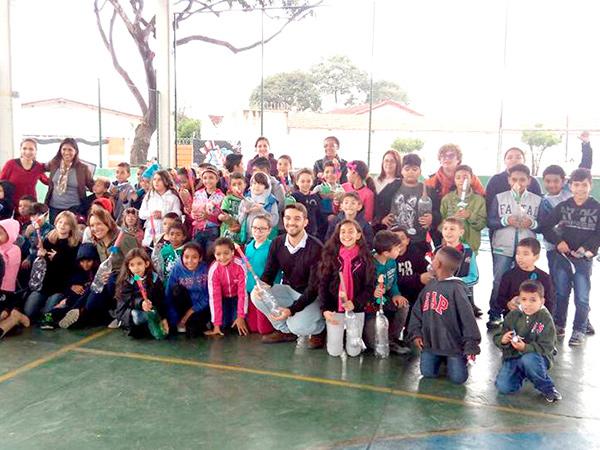 Alunos, professores e familiares participaram da Mostra