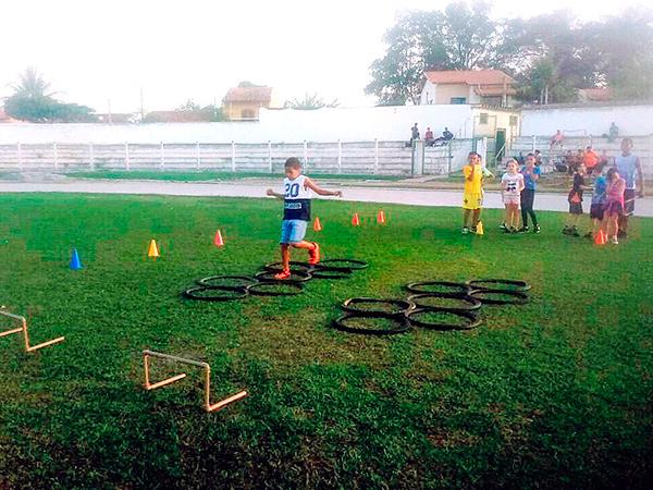 Crianças de 6 a 10 anos juntaram recicláveis que serão revertidos em materiais para as atividades esportivas