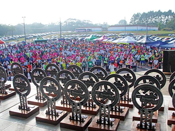 A premiação dos vencedores foi realizada na área de eventos do Parque da Cidade, que estava repleta de atletas e de familiares