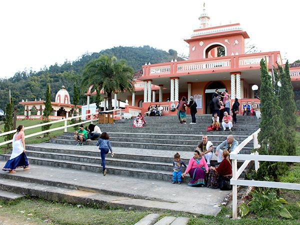 Durante os quatro dias do evento milhares de visitantes conhecem a comunidade que fica na Fazenda Nova Gokula