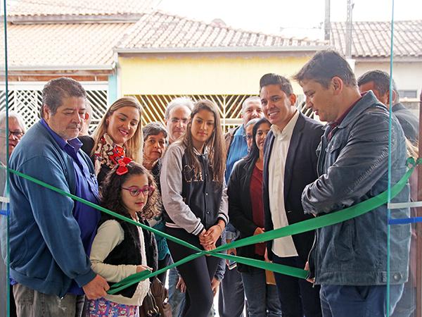 Executivo, Legislativo e familiares da homenageada participaram da solenidade de inauguração