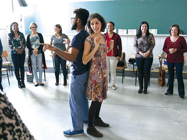 Início do evento foi marcado por músicas que embalam o dia a dia nas salas de aula da Pedagogia Waldorf