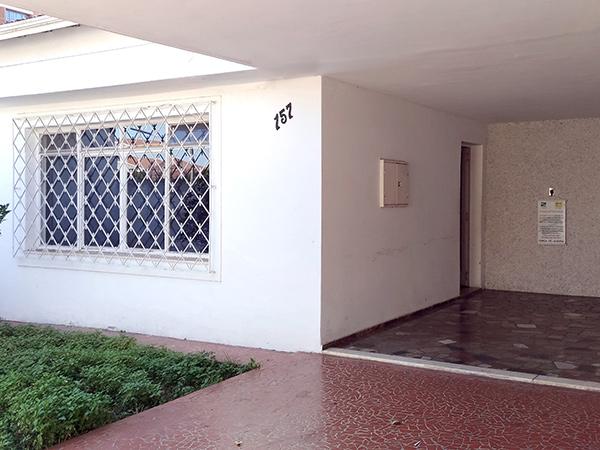 Local realiza acolhimento e oferece abrigo. Casa possui 20 camas (destaque da foto)