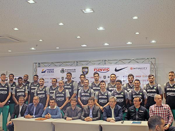 Atletas participaram de apresentação e coletiva de imprensa, na segunda, 7