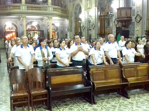 Missa em comemoração a Semana da família tem participação de muitos fieis