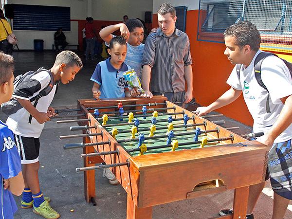 Atividades esportivas estão dentro dos eixos trabalhados pelo programa