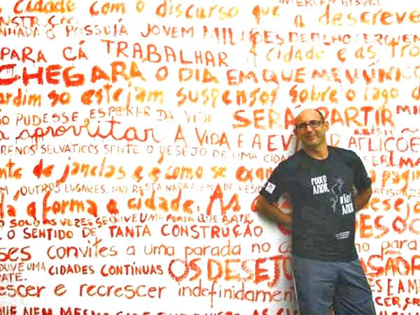Fernando Rodrigues é ator, diretor e professor de teatro