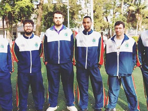 Atletas treinam em diversos pontos do município