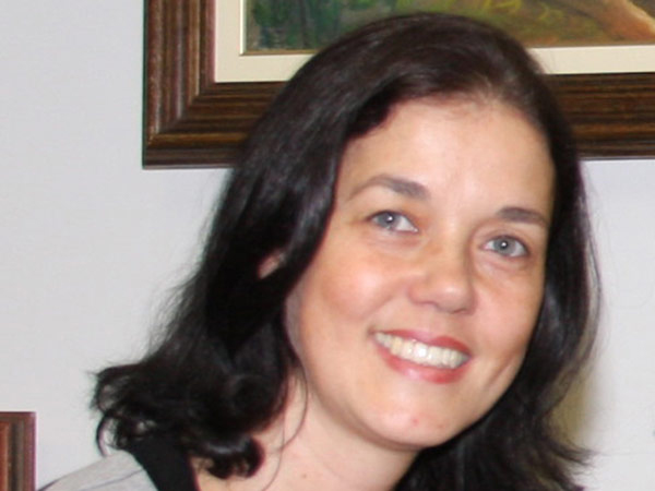 Poetisa e arte-educadora Neila Cardoso