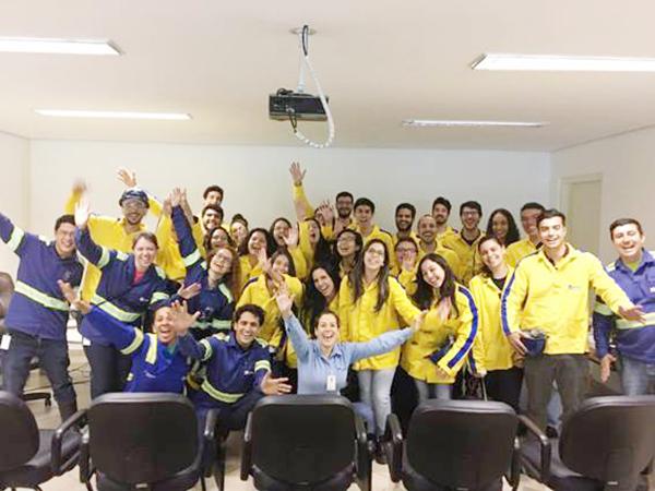 Grupo de estudantes conheceu a operação da planta