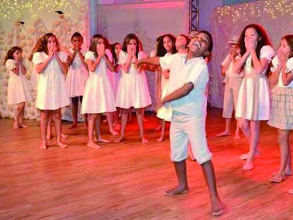 Os espetáculos estão divididos nas categorias Adulto e Infantil, além de três espetáculos convidados