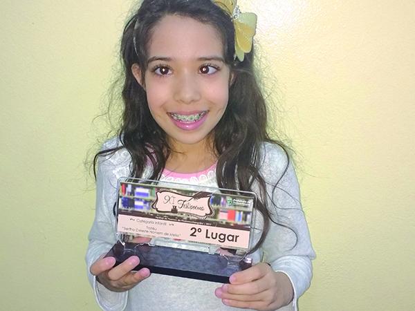 Karen da Silva Conceição conquistou o 2º lugar na categoria Infantil do Festipoema