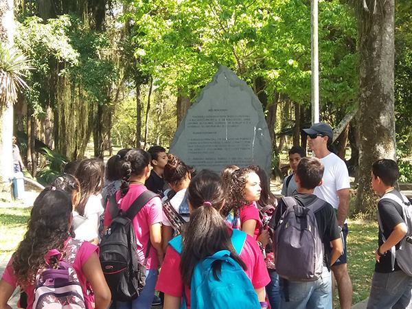 As crianças puderam conhecer a história de diversos pontos da cidade