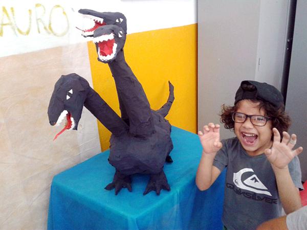 As crianças desenvolveram um projeto sobre monstros, que será exposto no Museu