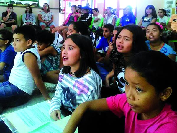 A comunidade participou de todas as atividades promovidas, inclusive as contações de histórias