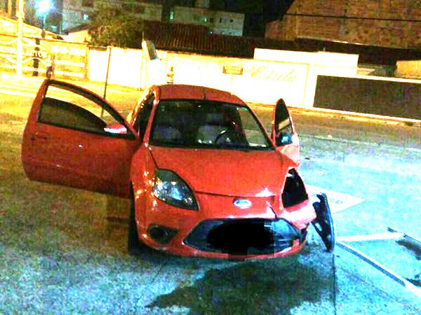 Veículo roubado em Caçapava e encontrado  em Pinda