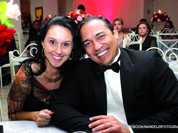 Parabéns! Para o empresário  Jeremias Rodrigues, proprietário da Imobiliária Jeremias Rodrigues. Ele completou mais um ano de vida na quarta-feira, 8 de novembro, recebendo felicitações dos amigos, funcionários e da esposa Telrose (foto).