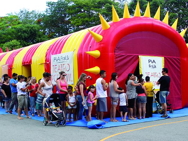 Estrutura inflável recebe o espetáculo em quatro sessões