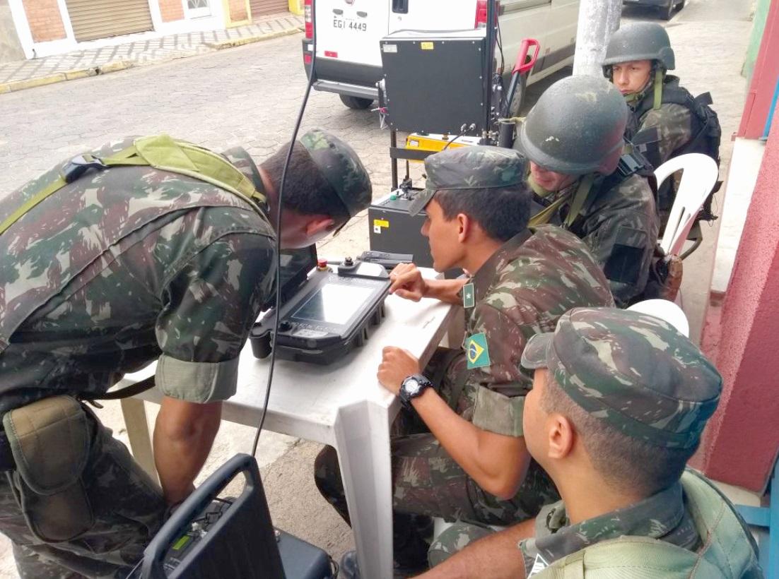 Cursos como esses ampliam a capacidade da Força Terrestre de defender o País