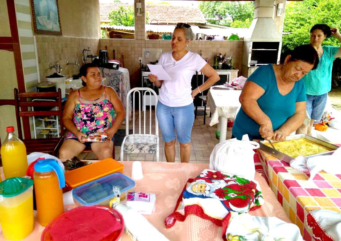 As participantes elaboraram receitas saudáveis aprendidas ao longo do ano de 2017