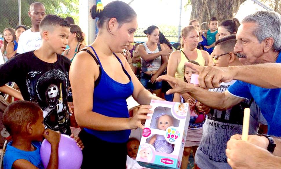Diversas opções de lazer, além de distribuição de brinquedos para as crianças