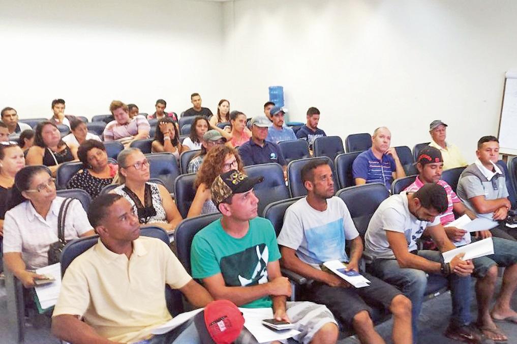 Foi realizada uma reunião no auditório da prefeitura para os novos contratados, no último dia 9