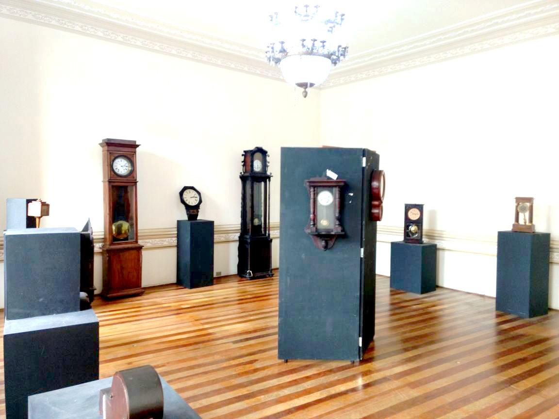 2a_exposição museu janeiro - relogios antigos (2)