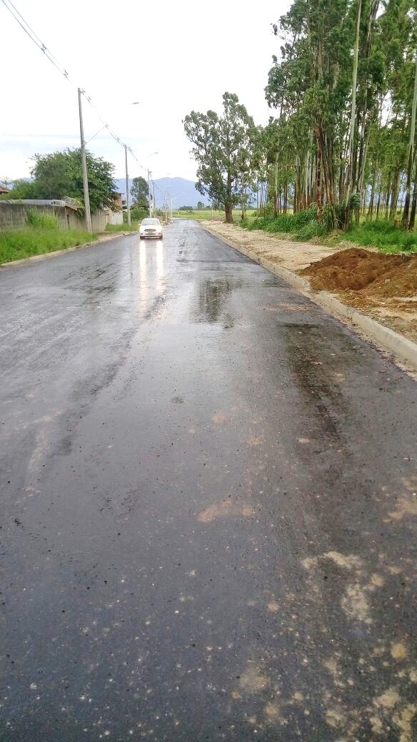 Ao todo, foram asfaltados mais de 2km de estrada