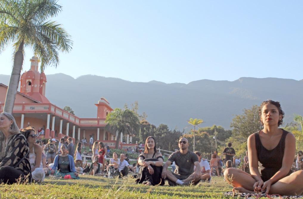 Haverá programação especial nos quatro dias de folia, com palestras, aulas de yoga e caminhadas ecológicas