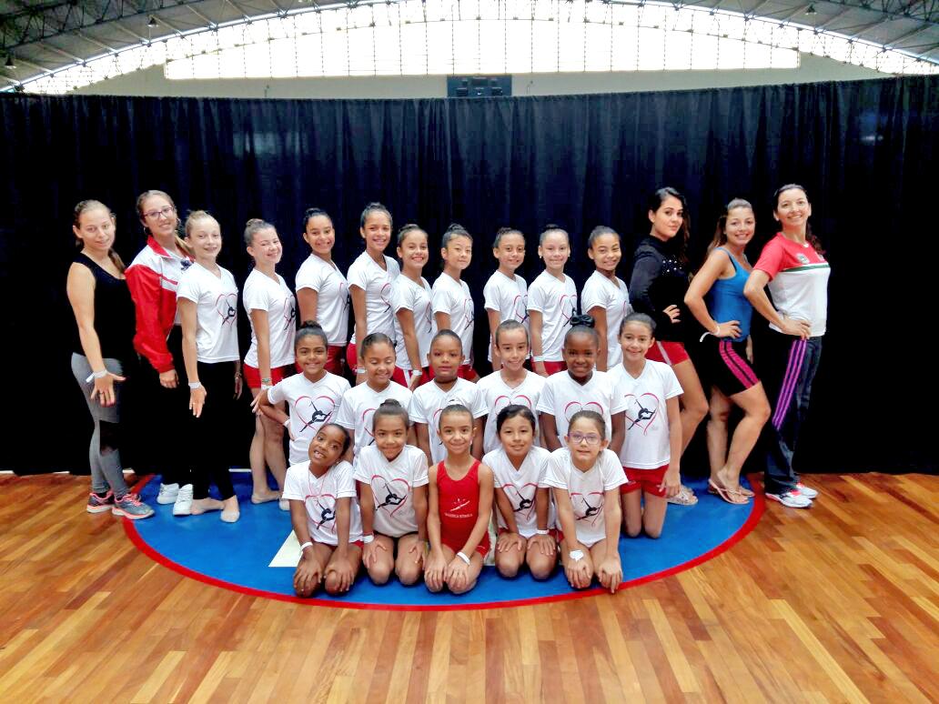Meninas da ginástica rítmica da Semelp participaram do curso em Guará