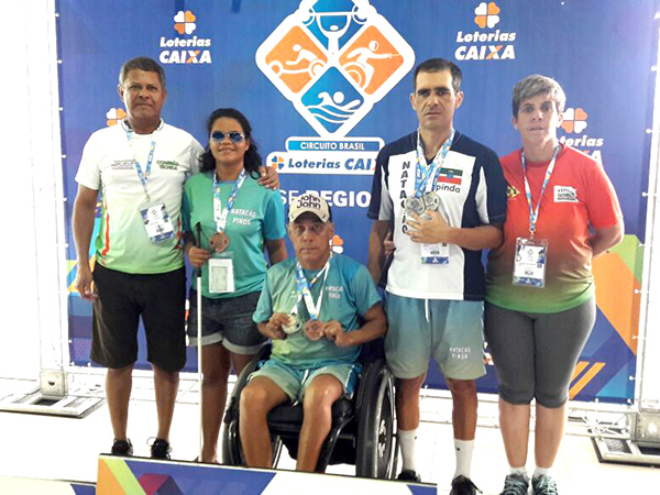 Equipe de natação de Pinda conquistou oito medalhas