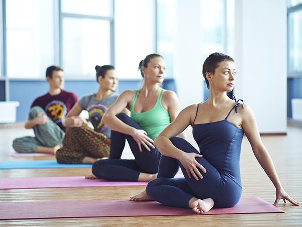 Dança, yoga e teatro estão entre as modalidades oferecidas