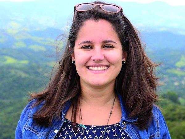 Novas conquistas  Tudo de lindo para a lindíssima Marina Alves, também Jornalista. Que soprou velinhas no último dia 6. Que seus novos 365 dias sejam de muita alegria, bênçãos e paz. É o desejo de todos os teus amigos e familiares.
