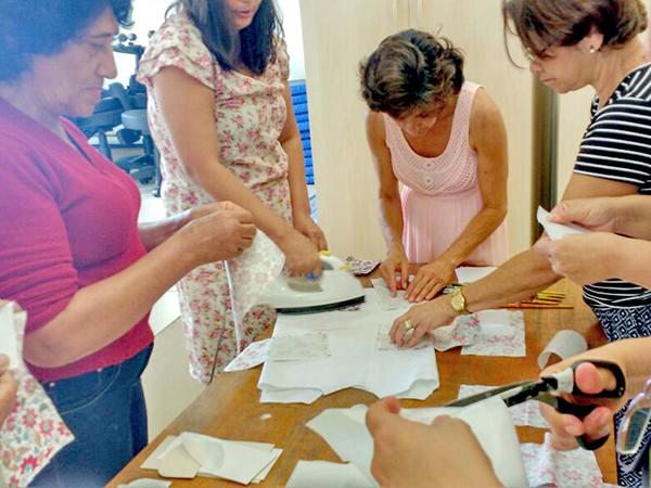 O grupo de mulheres das unidades de saúde e do CAPS AD puderam vivenciar um momento de interação e aprendizado