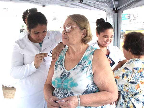 Vacinação contra a gripe atinge mais  de 70% dos grupos de risco em Pinda