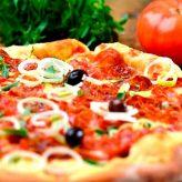 Pizzas de diversos sabores farão parte de rodízio solidário