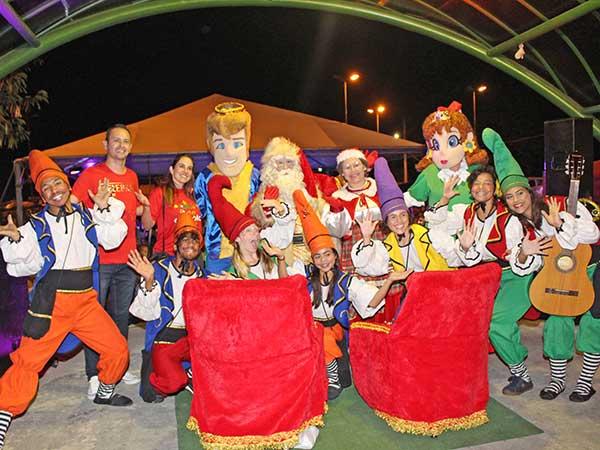 Papai Noel encanta moradores do Araretama