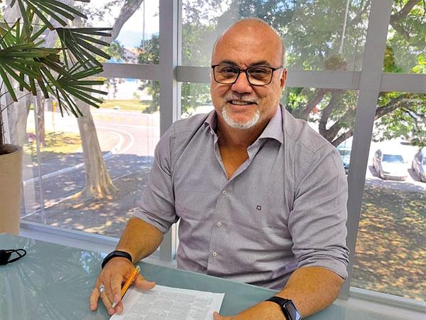 Ricardo Piorino assume a Prefeitura e recebe secretário Estadual da Justiça e Cidadania