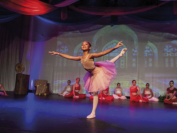 Bailarina de Pinda passa em seletiva nacional da Bolshoi Brasil