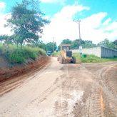 Setor Rural realiza serviços de conservação na estrada do Cantagalo